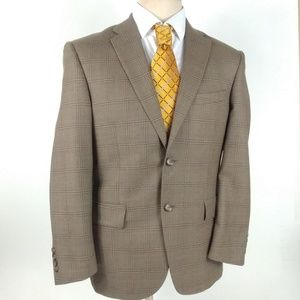 Jos A Bank Travelers Collection Tailored Fit 38S